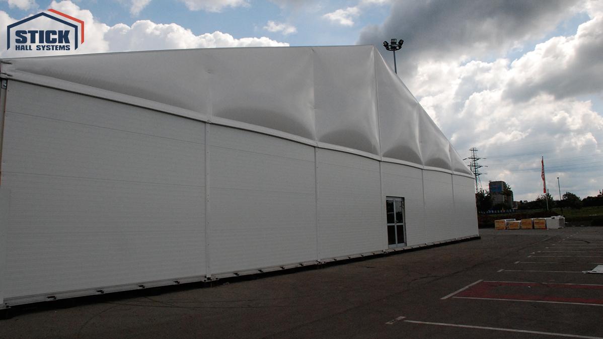 Wärmeisolierte Zelthallen
